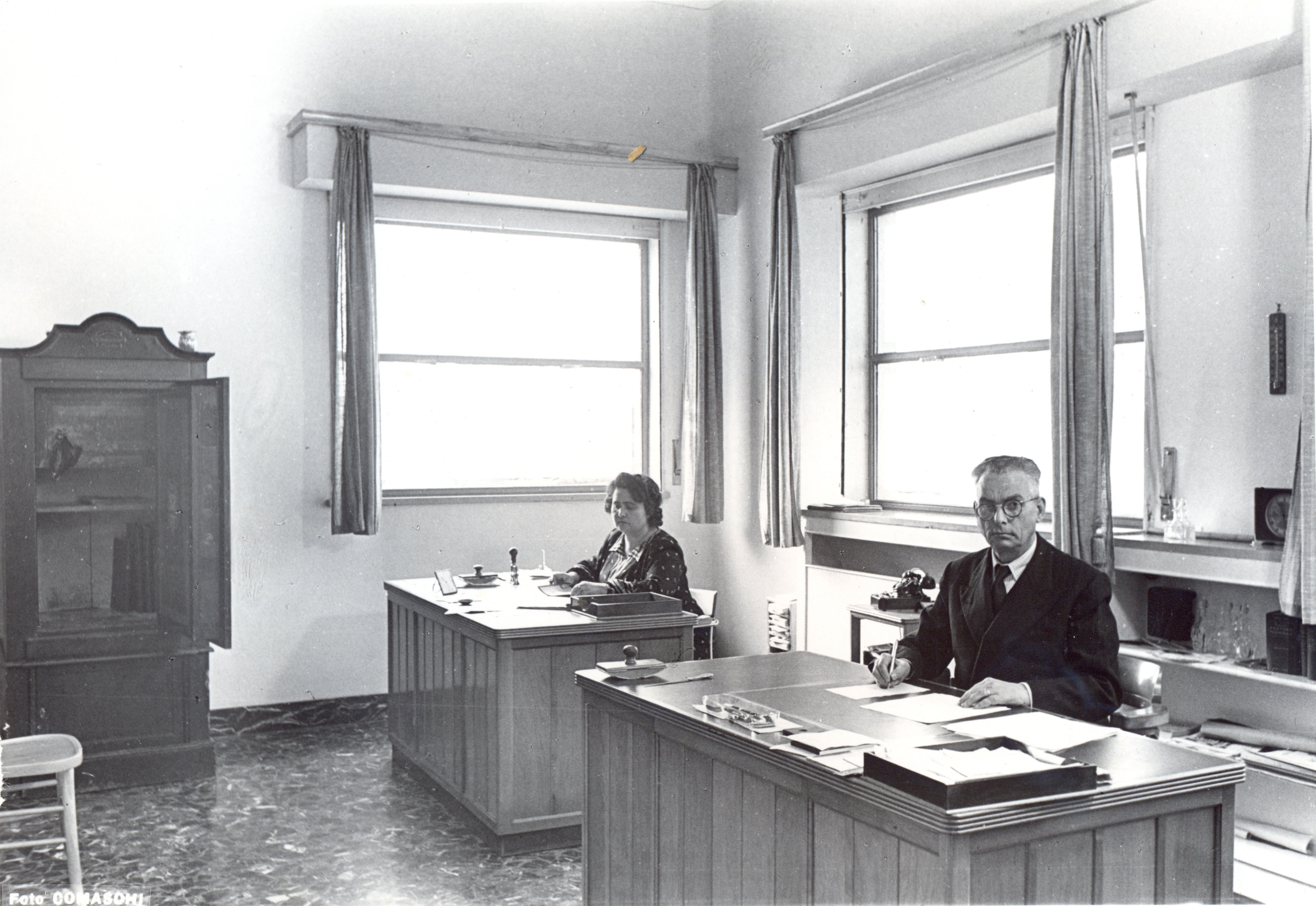 Giovanni Mantel e la segretaria Cuppini