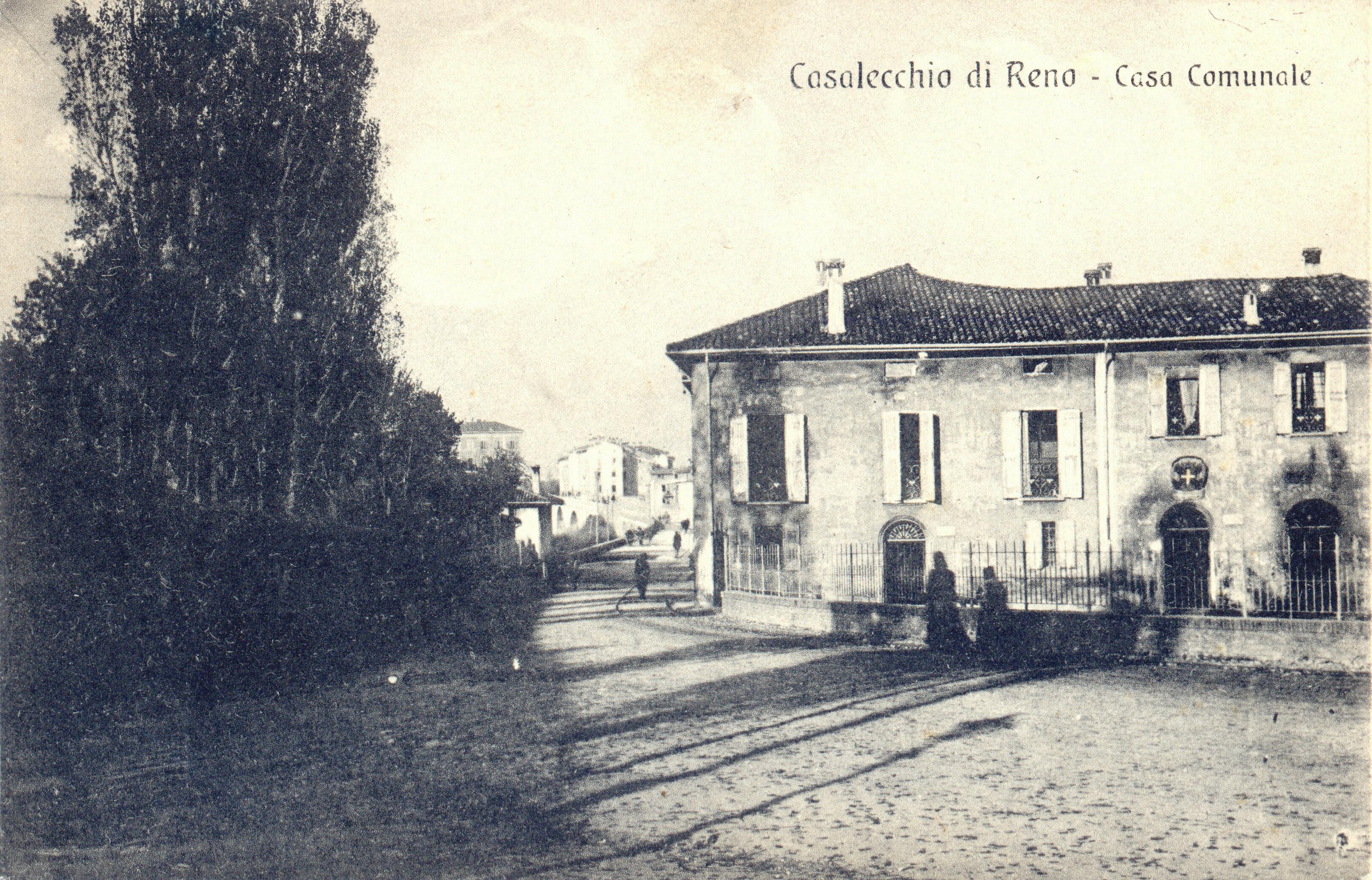 La sede municipale in una cartolina di inizio '900 (Collezione M. Neri)