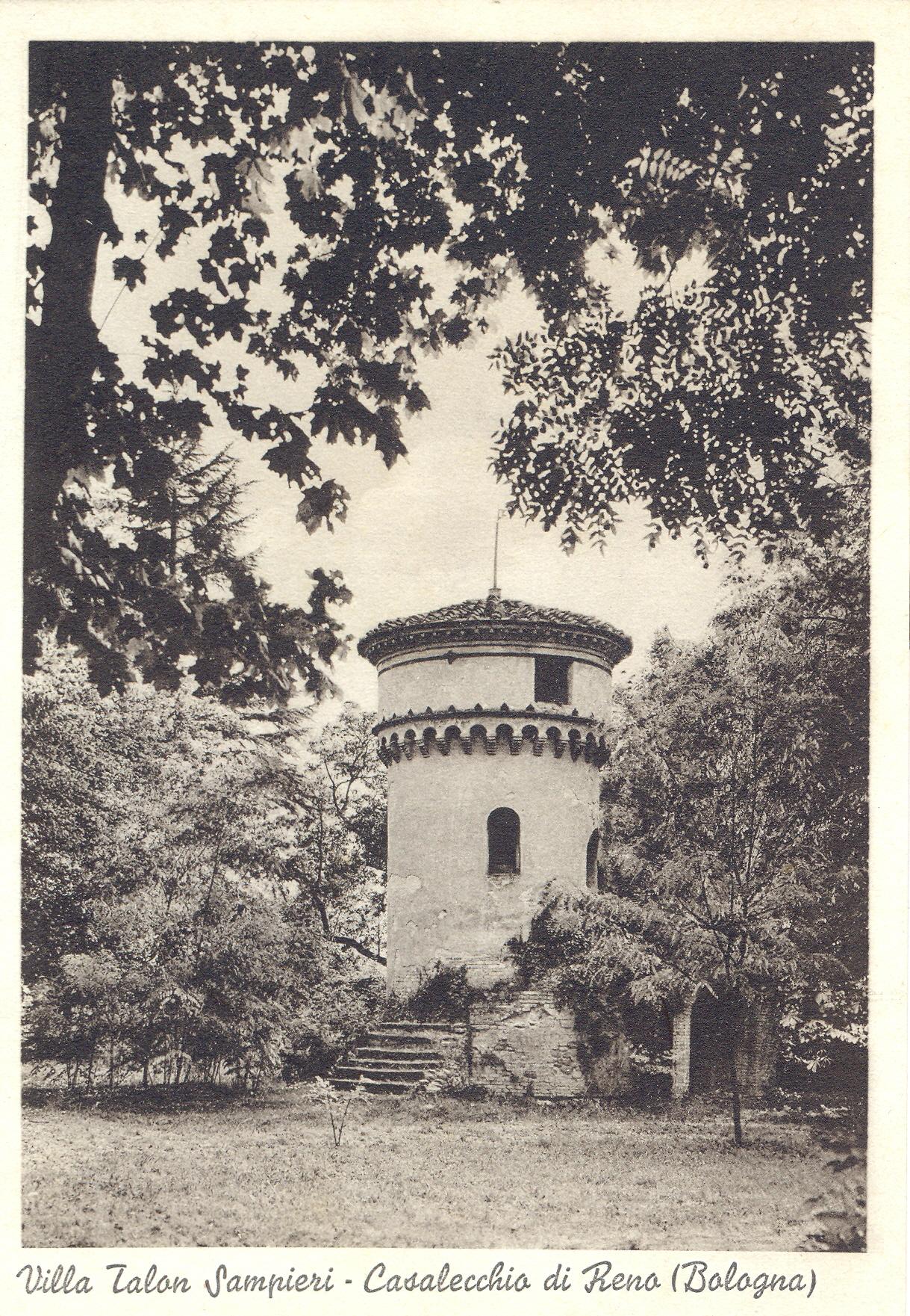 La villa Sampieri Talon, particolare del parco con la Casa dell'orso (Archivio fotografico Biblioteca C. Pavese)